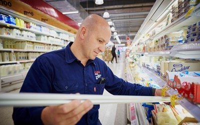 Coles signs 10 year deal for maintenance
