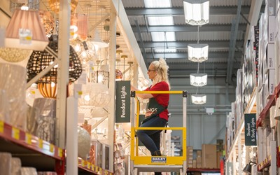 Bunnings UK and Ireland rolls out LEDs