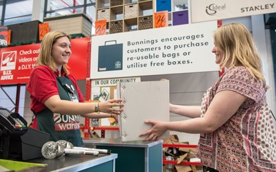 Bunnings UK and Ireland offer customers boxes instead of bags